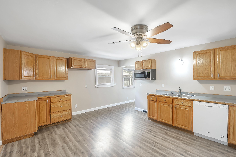 122 N Deerfield Ave - Kitchen - 17