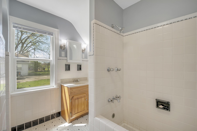 122 N Deerfield Ave - Bathroom - 19