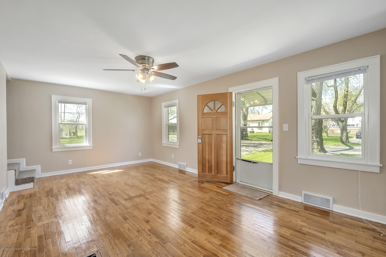 122 N Deerfield Ave - Living Room - 22