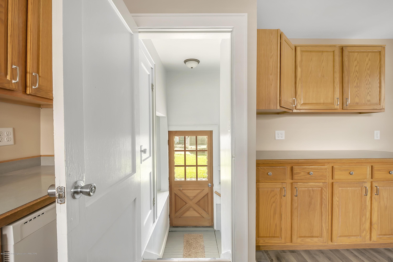 122 N Deerfield Ave - Kitchen - 25