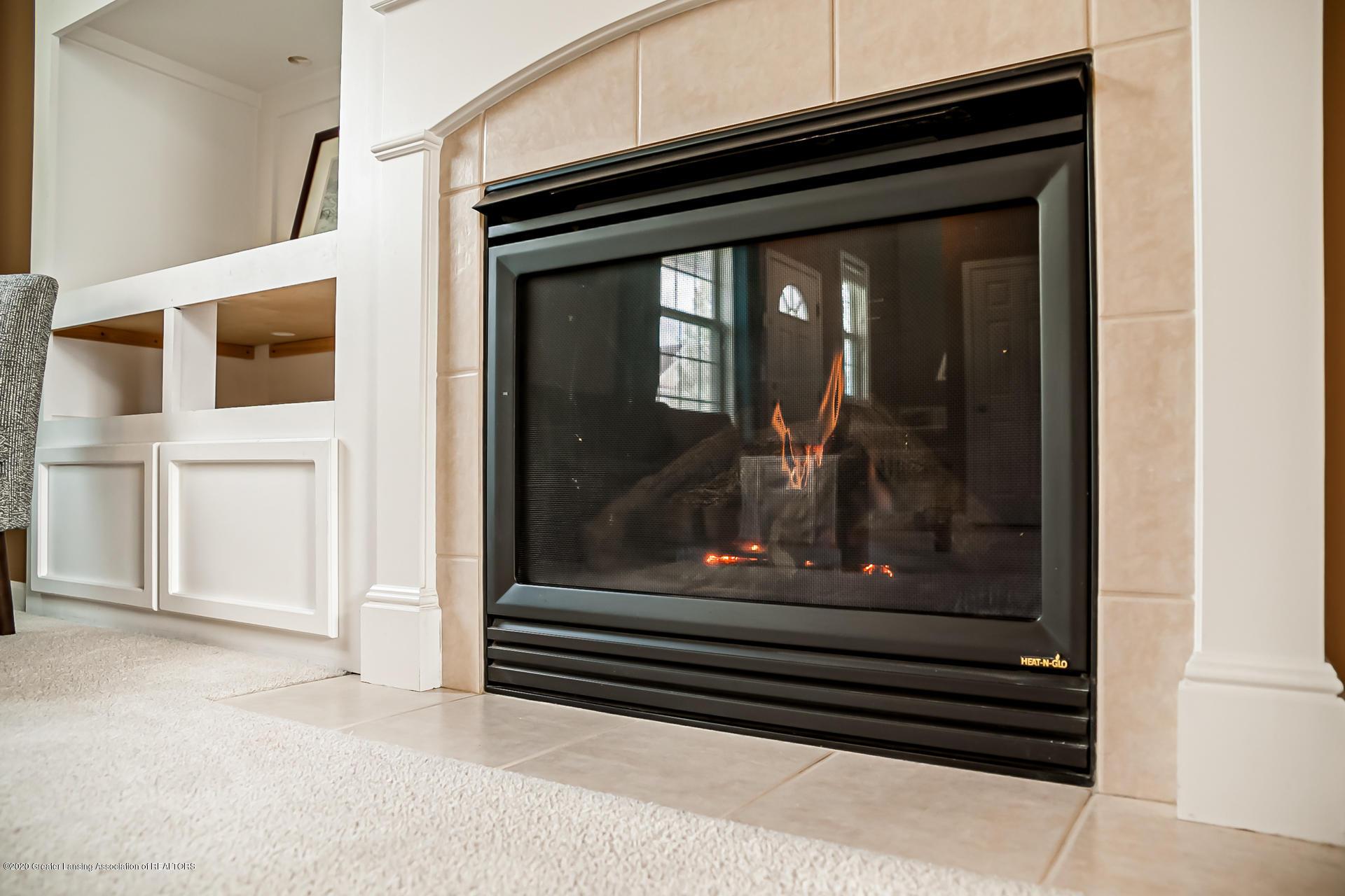 3848 Caracara Ln - Fireplace - 4