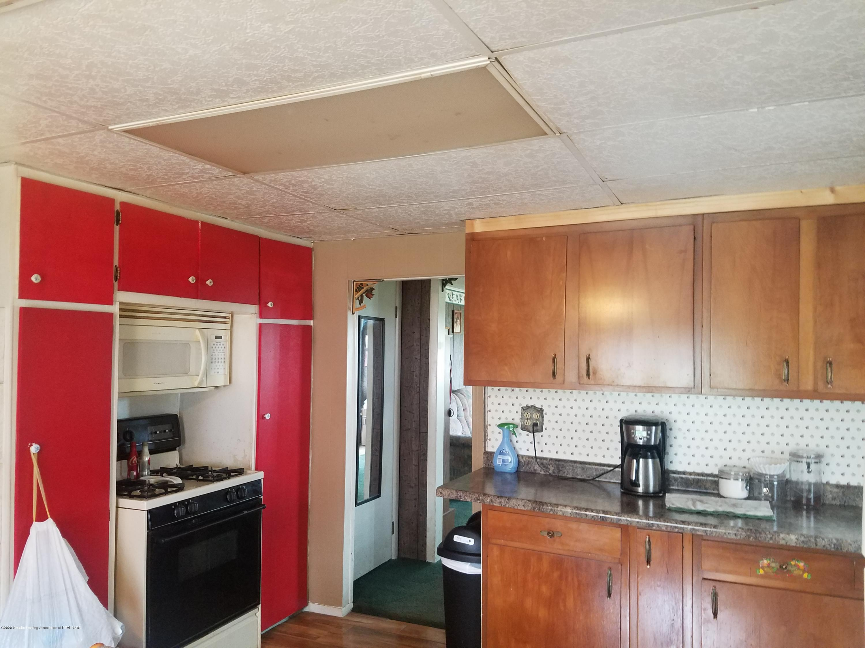 627 W Bellevue Hwy - KITCHEN - 12