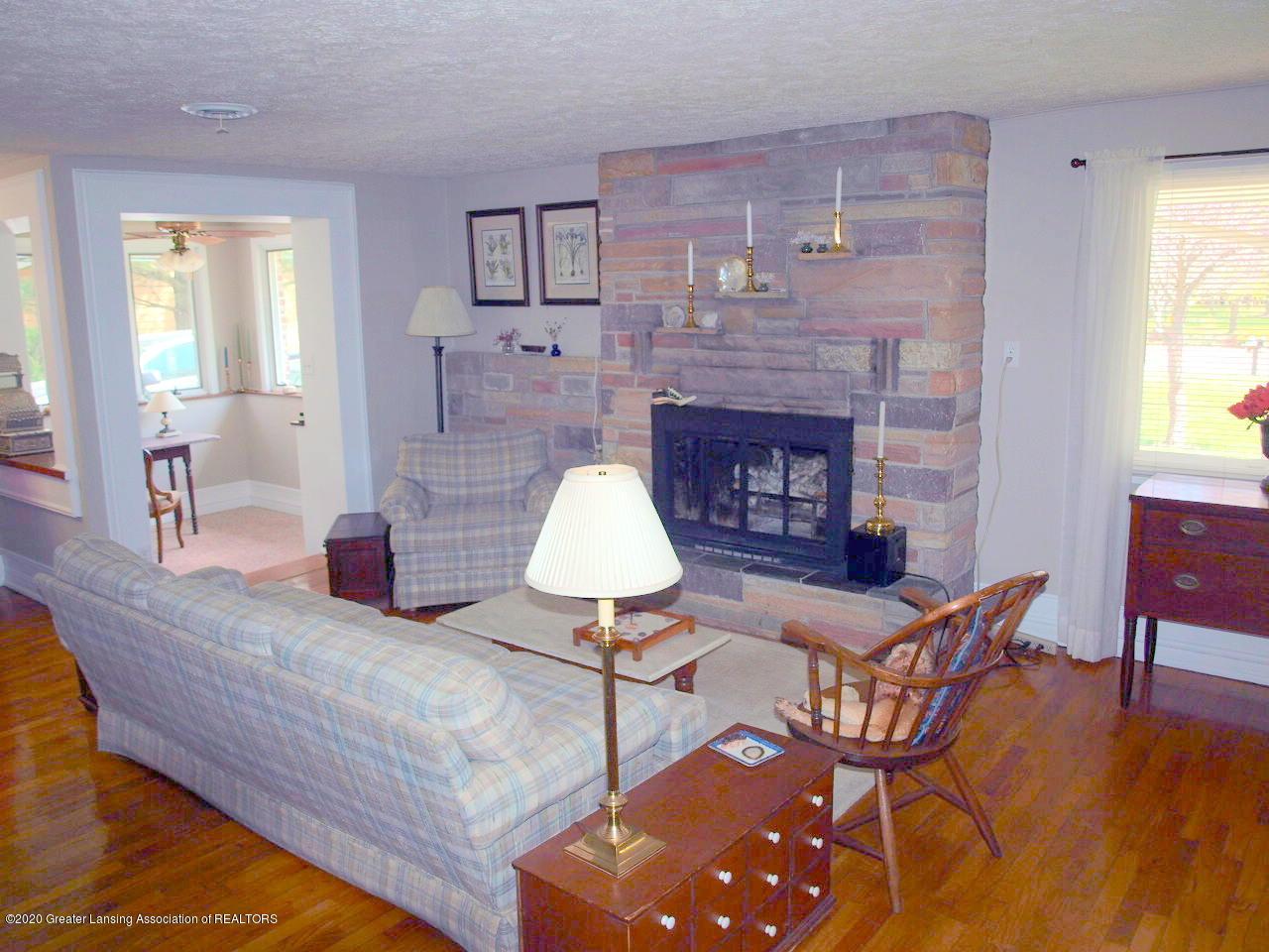 1208 S Oakland St - Living Room - 4