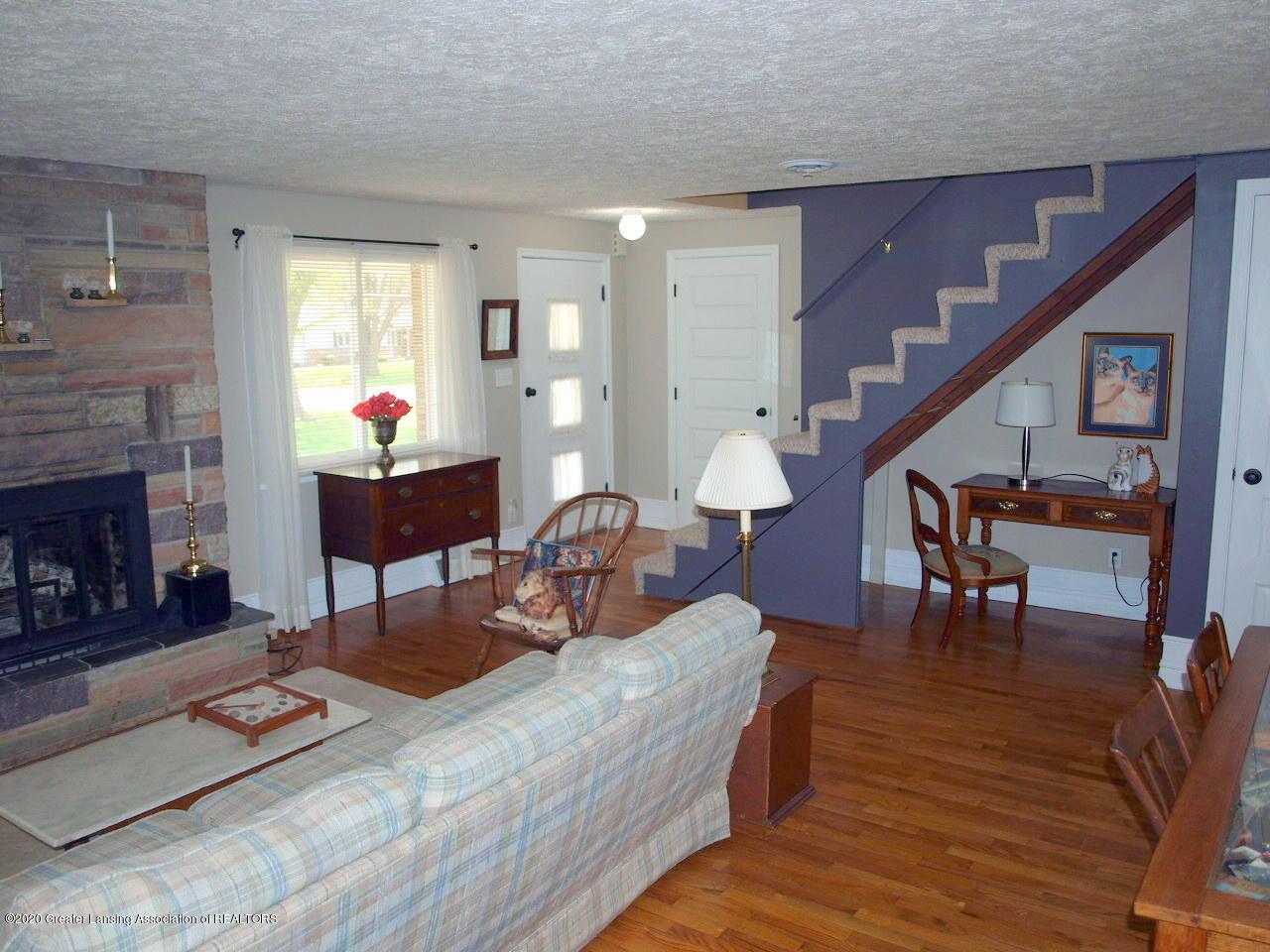 1208 S Oakland St - Living Room - 2