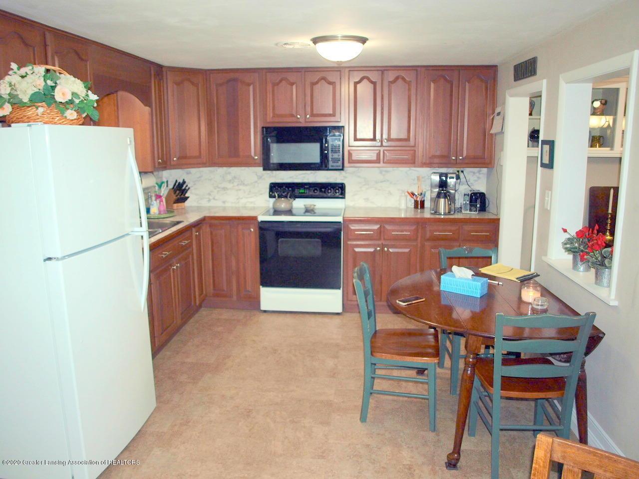 1208 S Oakland St - Kitchen - 5