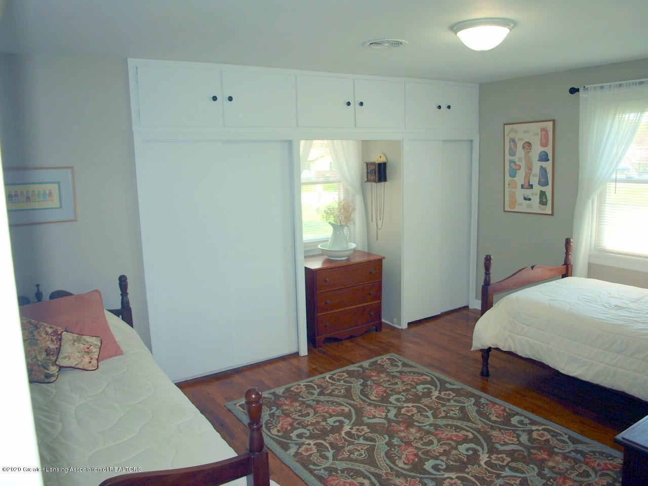 1208 S Oakland St - Bedroom - 15