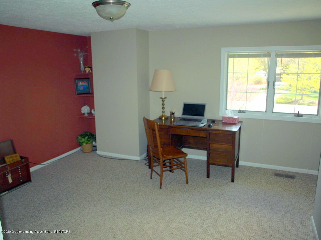 1208 S Oakland St - Bedroom - 19