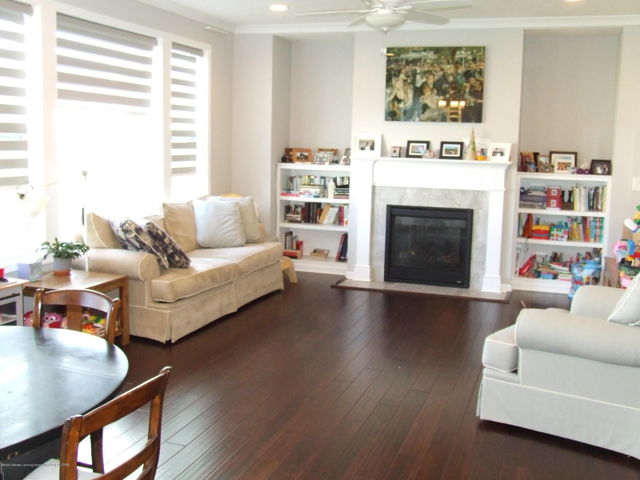 2725 Kittansett Dr - Living room - 11