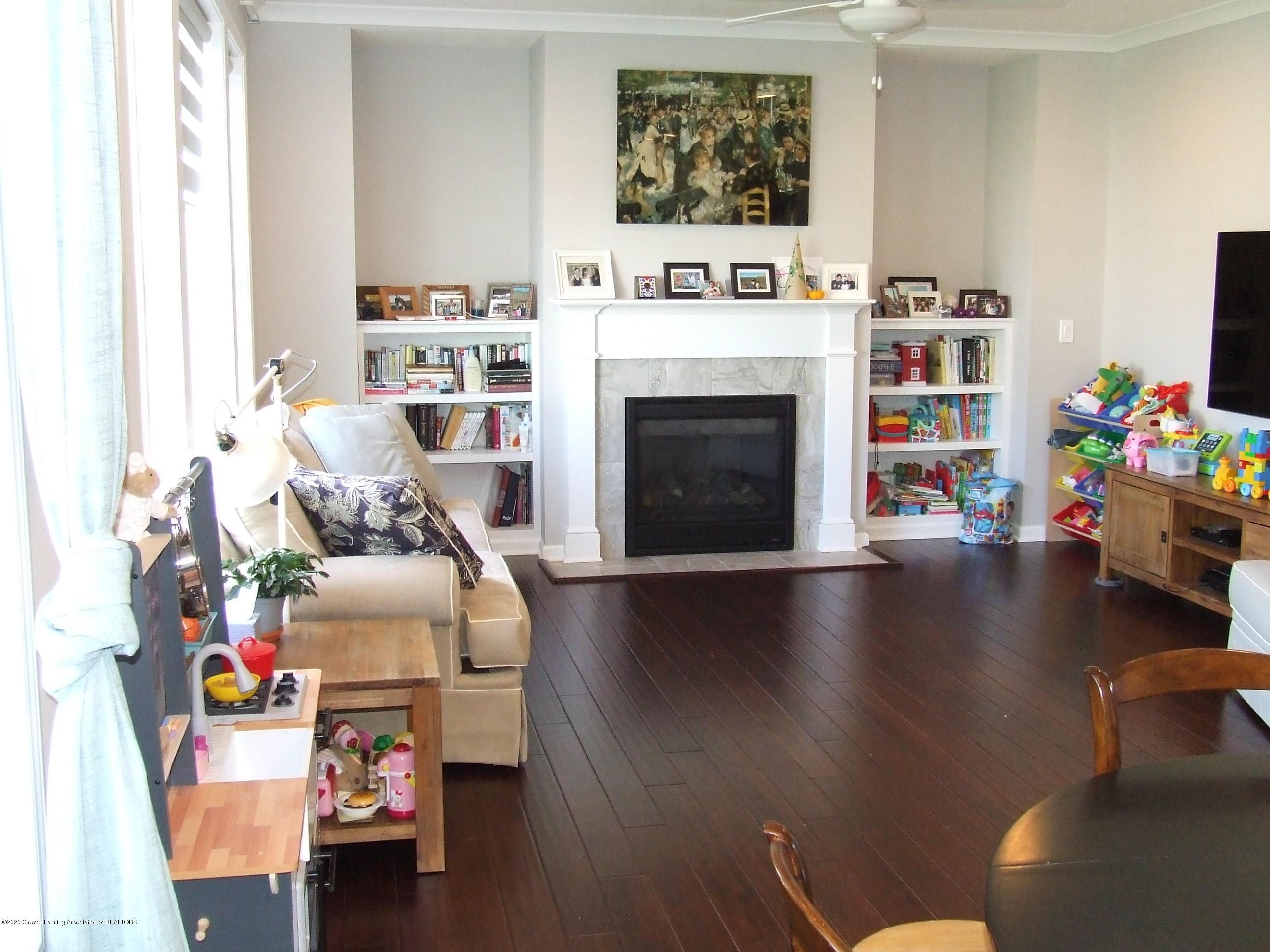 2725 Kittansett Dr - Living room - 8