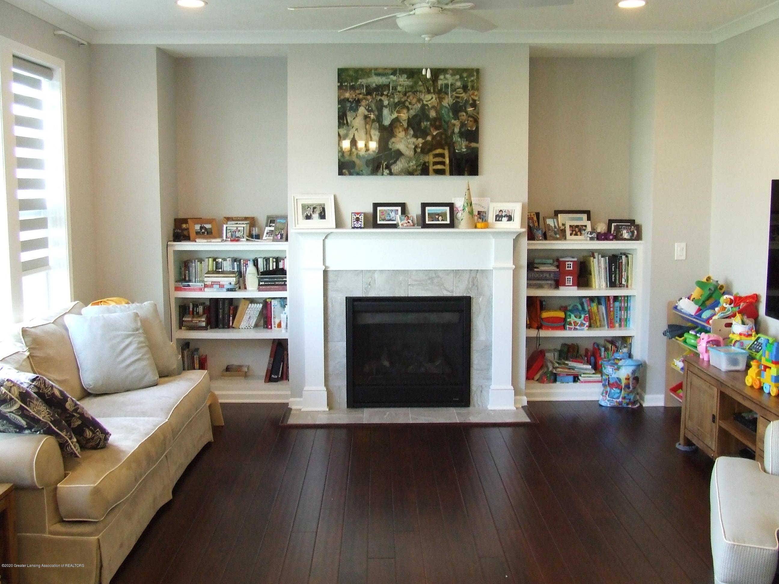 2725 Kittansett Dr - Living room - 10