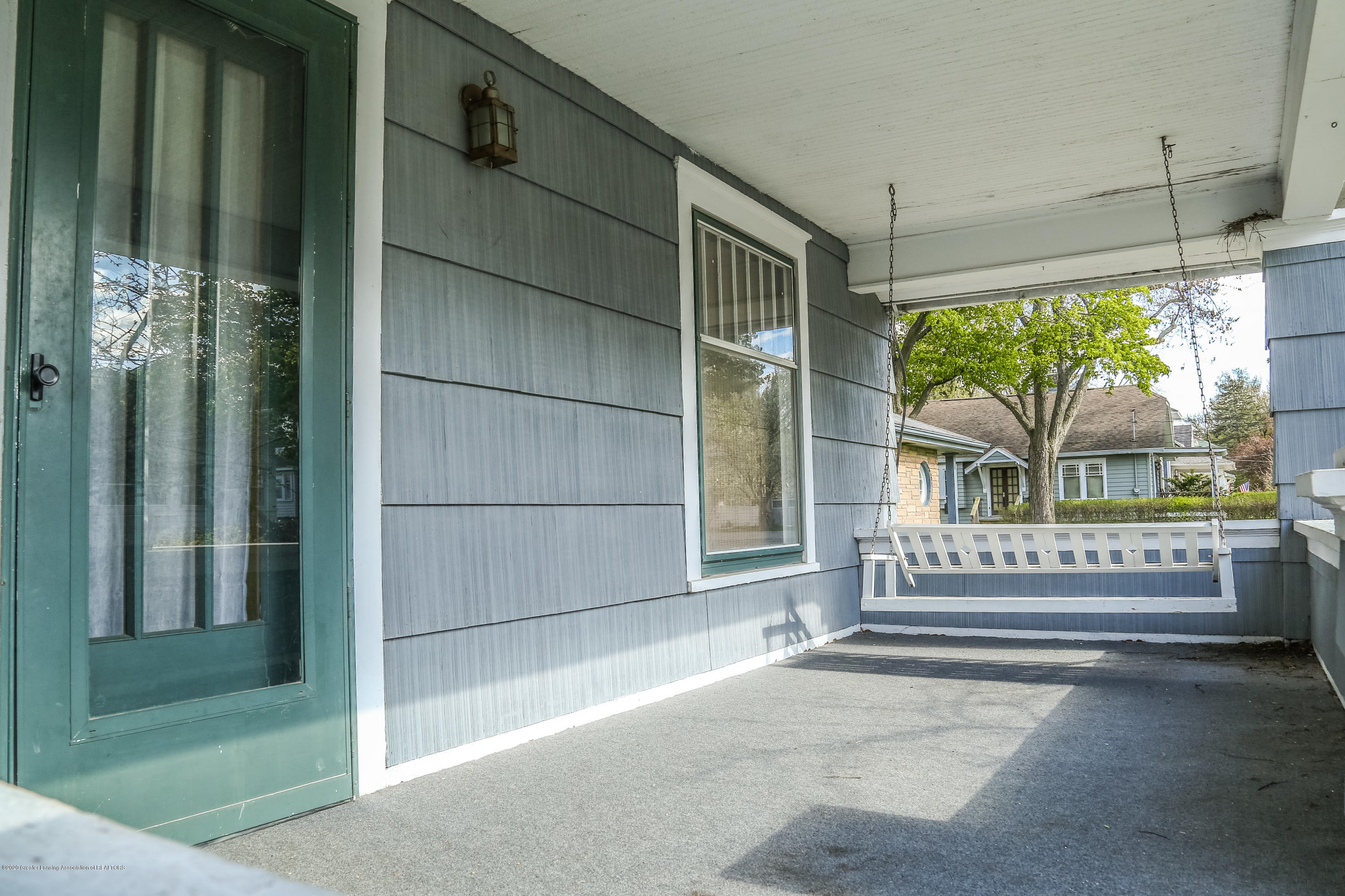 2005 Forest Ave - Porch - 4