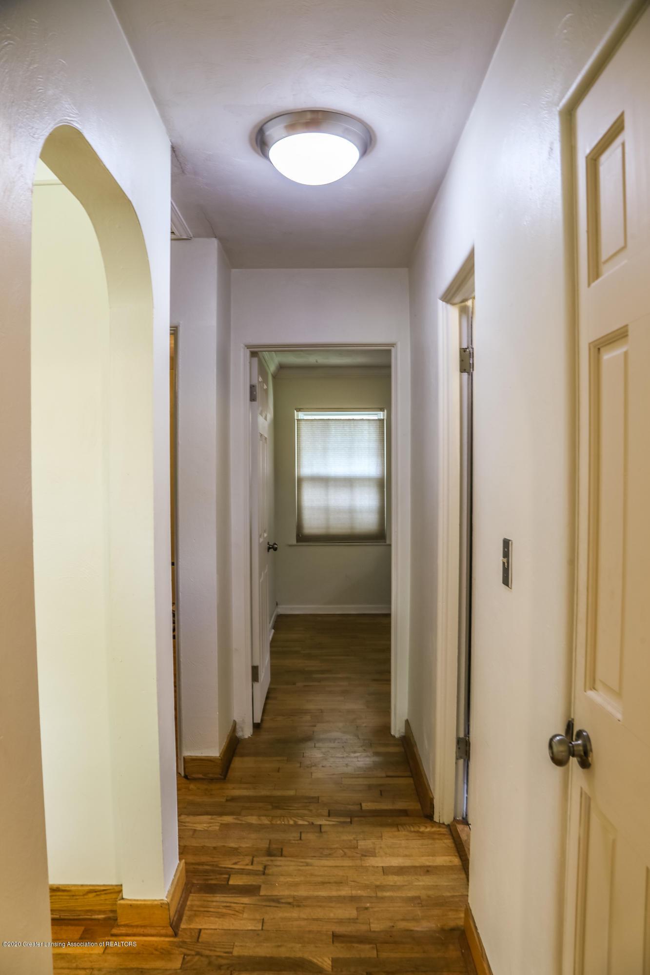 515 Durand St - Bedroom Hallway - 17