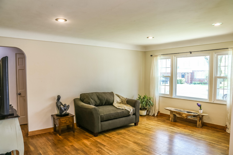 515 Durand St - Living Room - 5