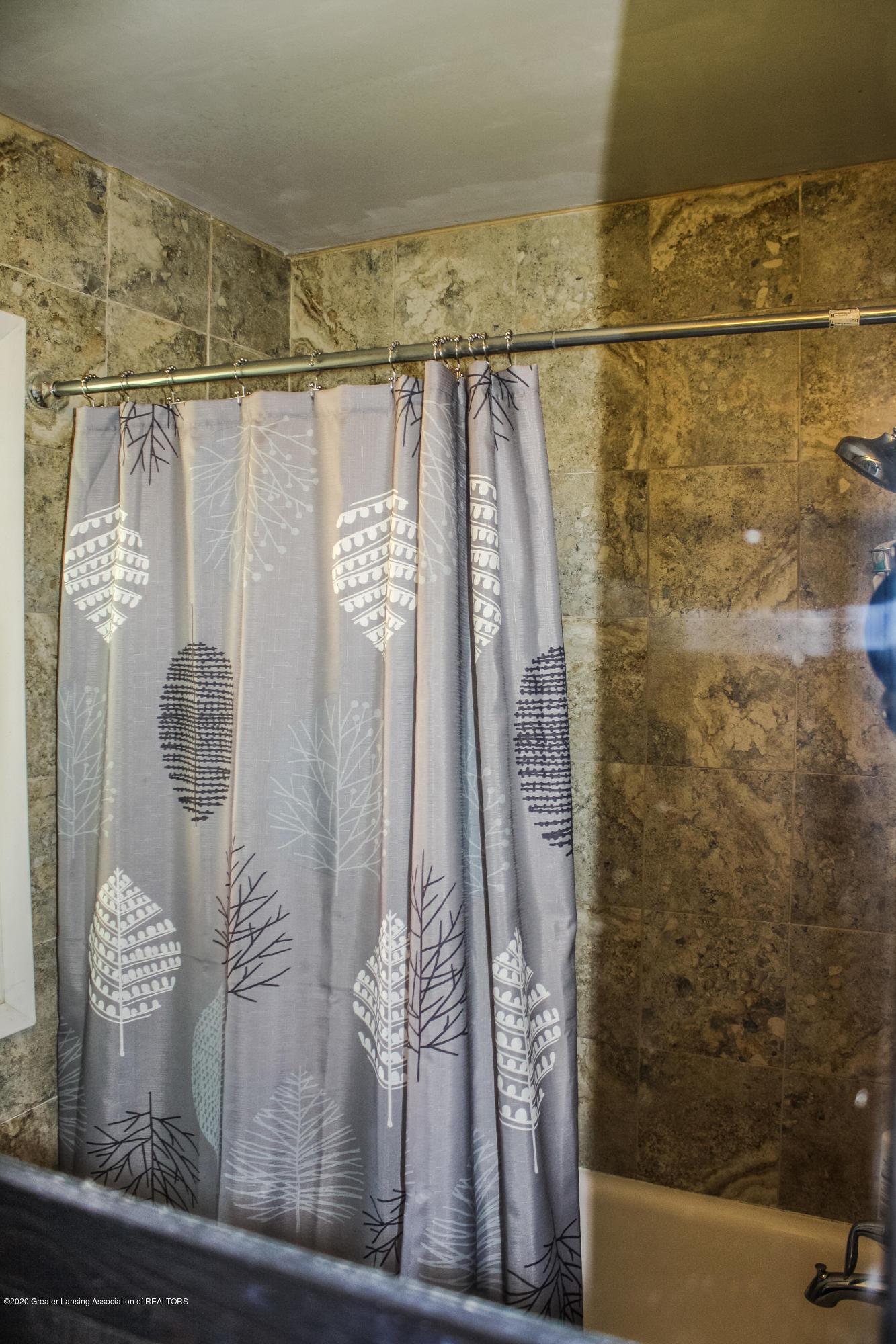515 Durand St - Shower - 16
