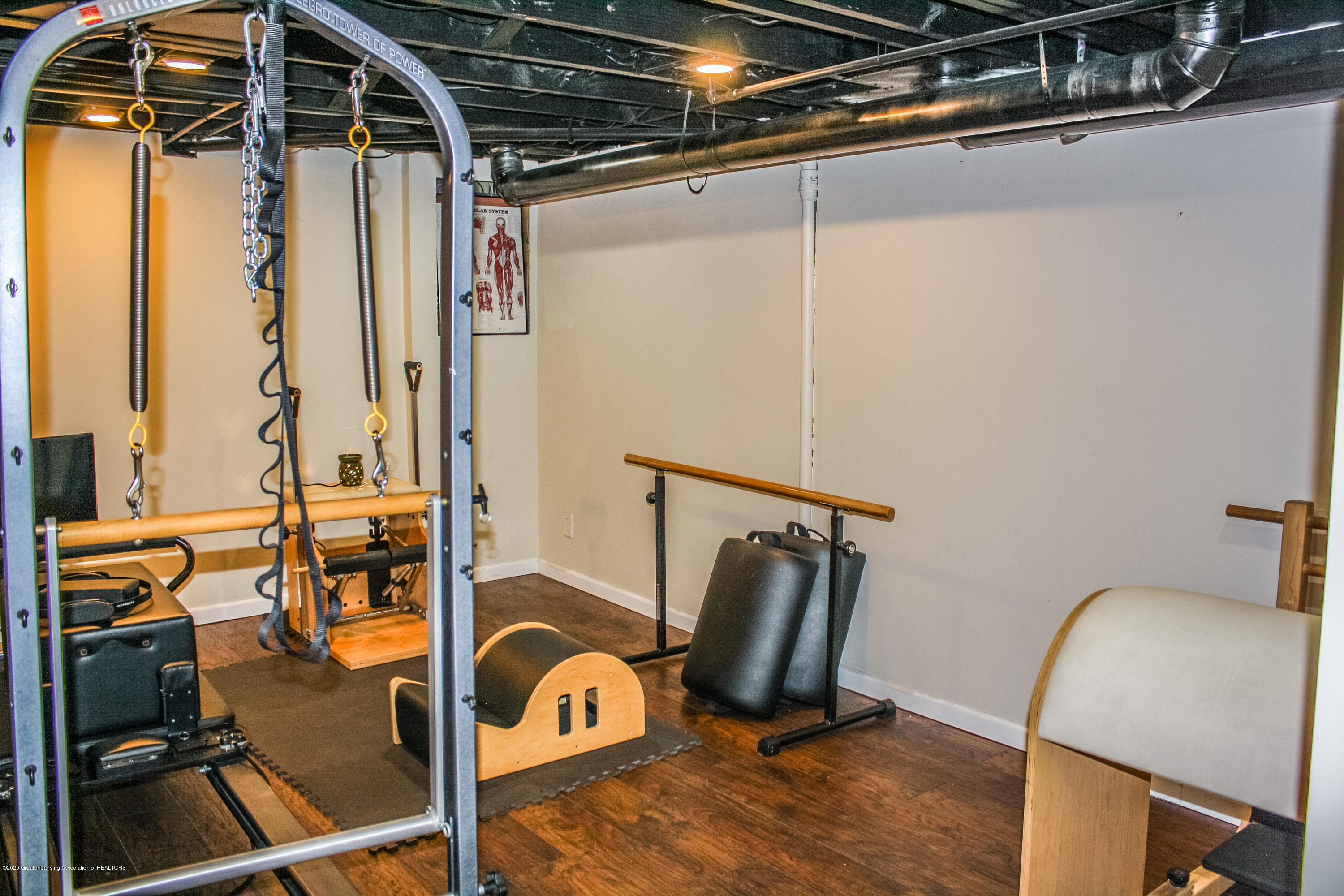 515 Durand St - Basement Work Out Room - 24
