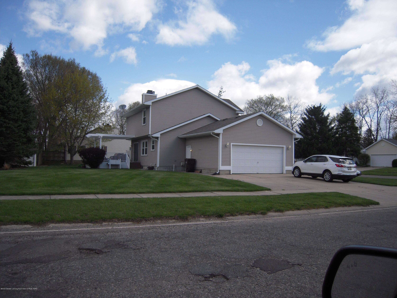 2285 Bush Hill Dr - Driveway - 2