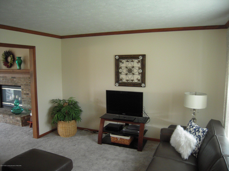 2285 Bush Hill Dr - Living room - 9