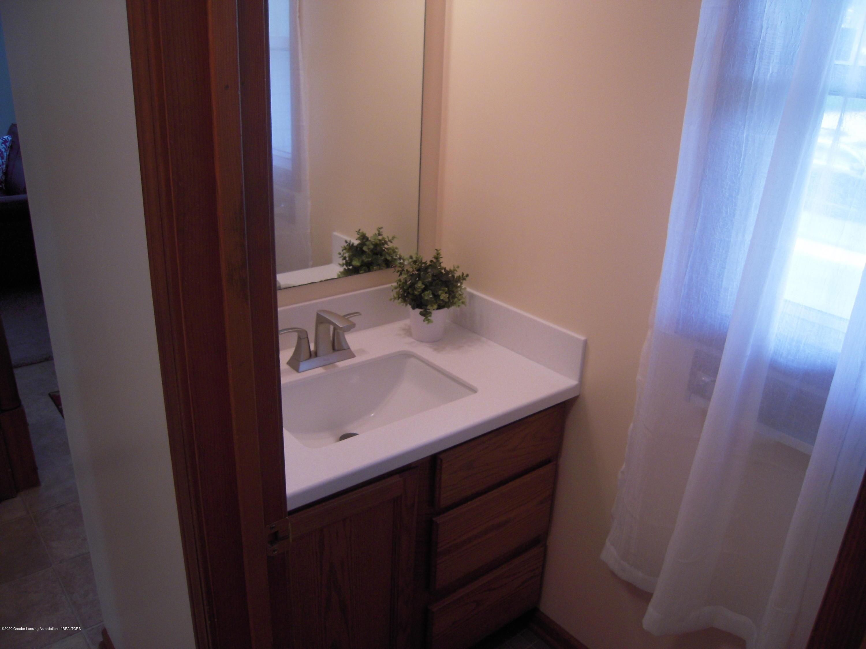 2285 Bush Hill Dr - Half bath - 10