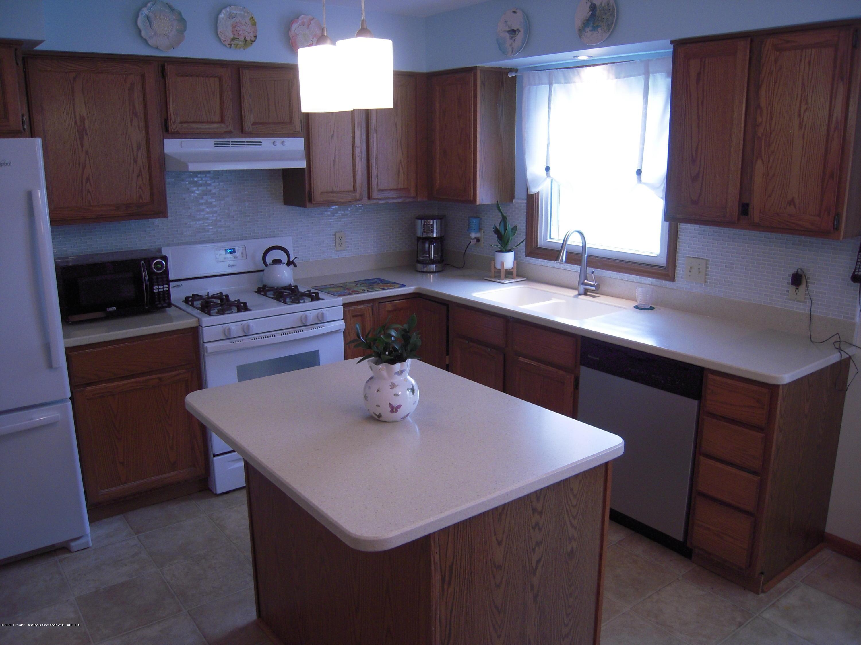 2285 Bush Hill Dr - Kitchen - 18