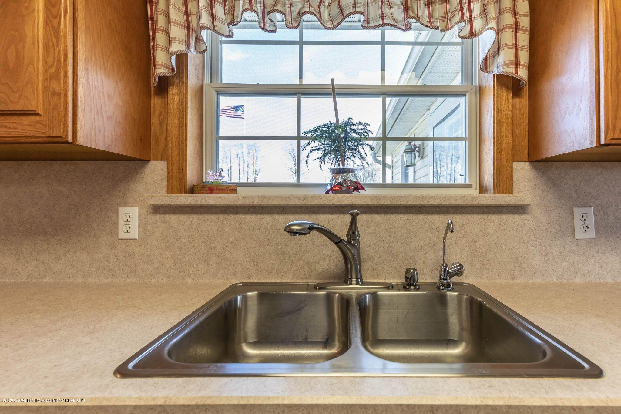 9485 Kinch Rd - Kitchen4 - 8