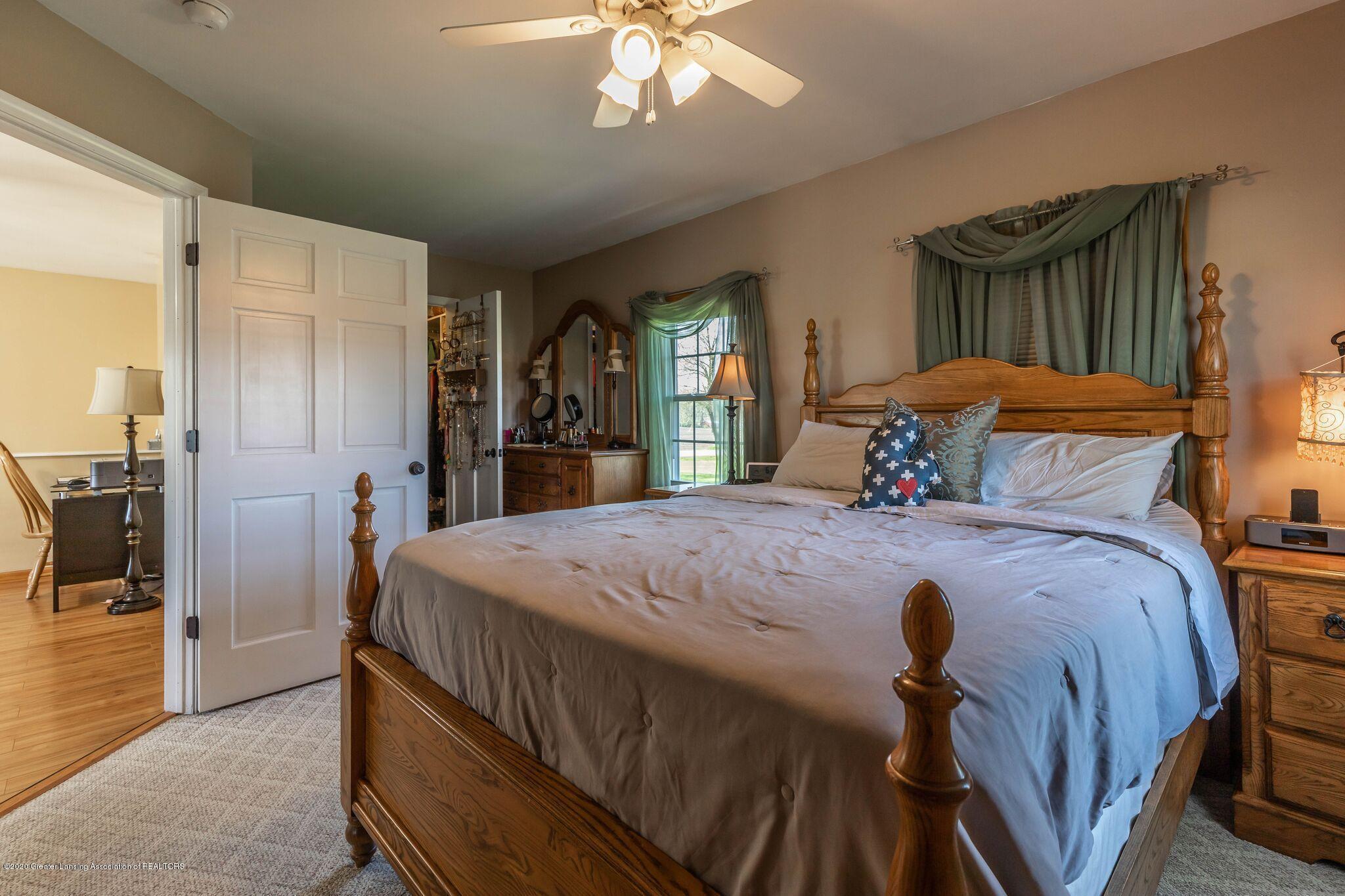 9485 Kinch Rd - Master Bedroom2 - 18