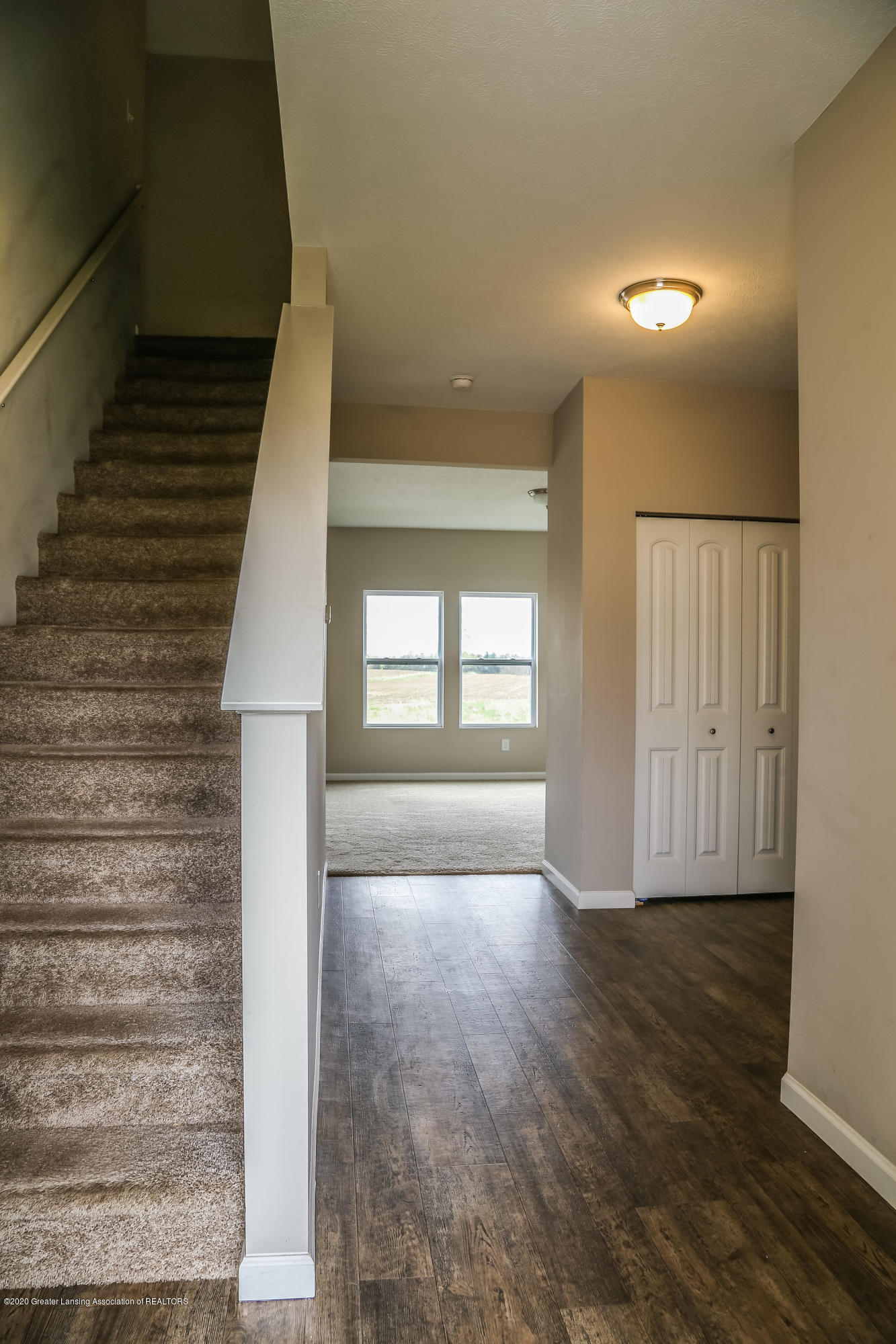 5959 Boxwood Ave - Stairs - 5