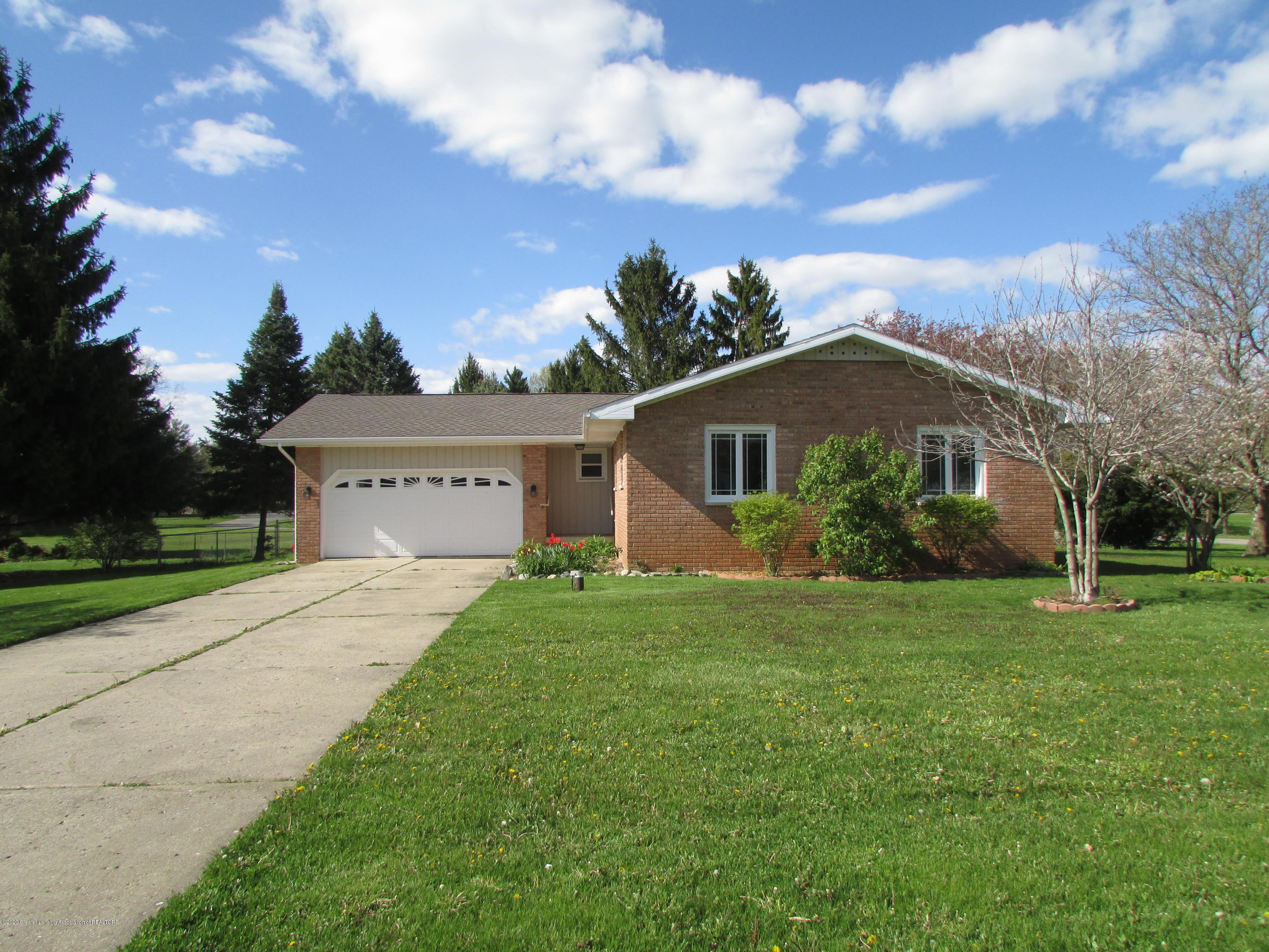 9975 Donegal Dr - Front - 1