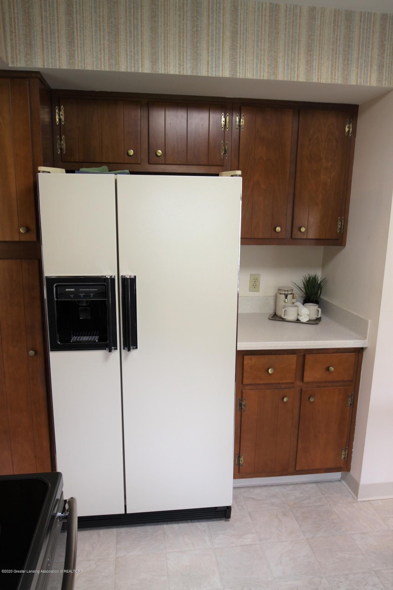 2321 Tulane Dr - Kitchen - 13