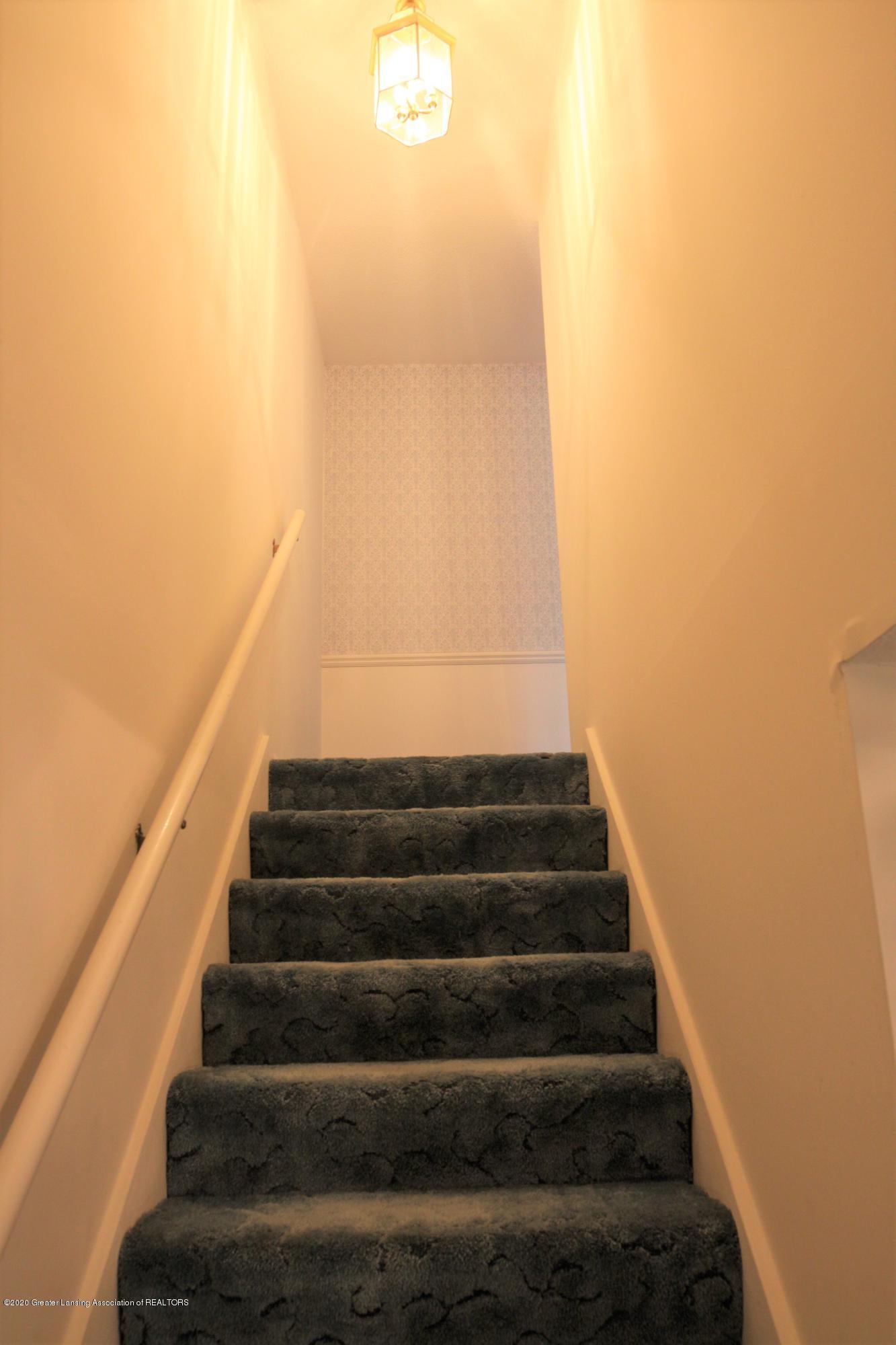 2321 Tulane Dr - Stairway - 24