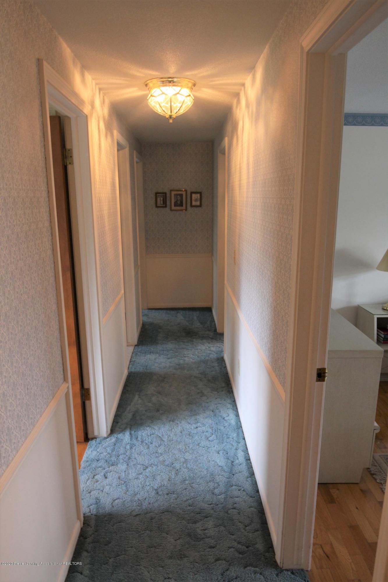 2321 Tulane Dr - Hallway 2nd Floor - 25