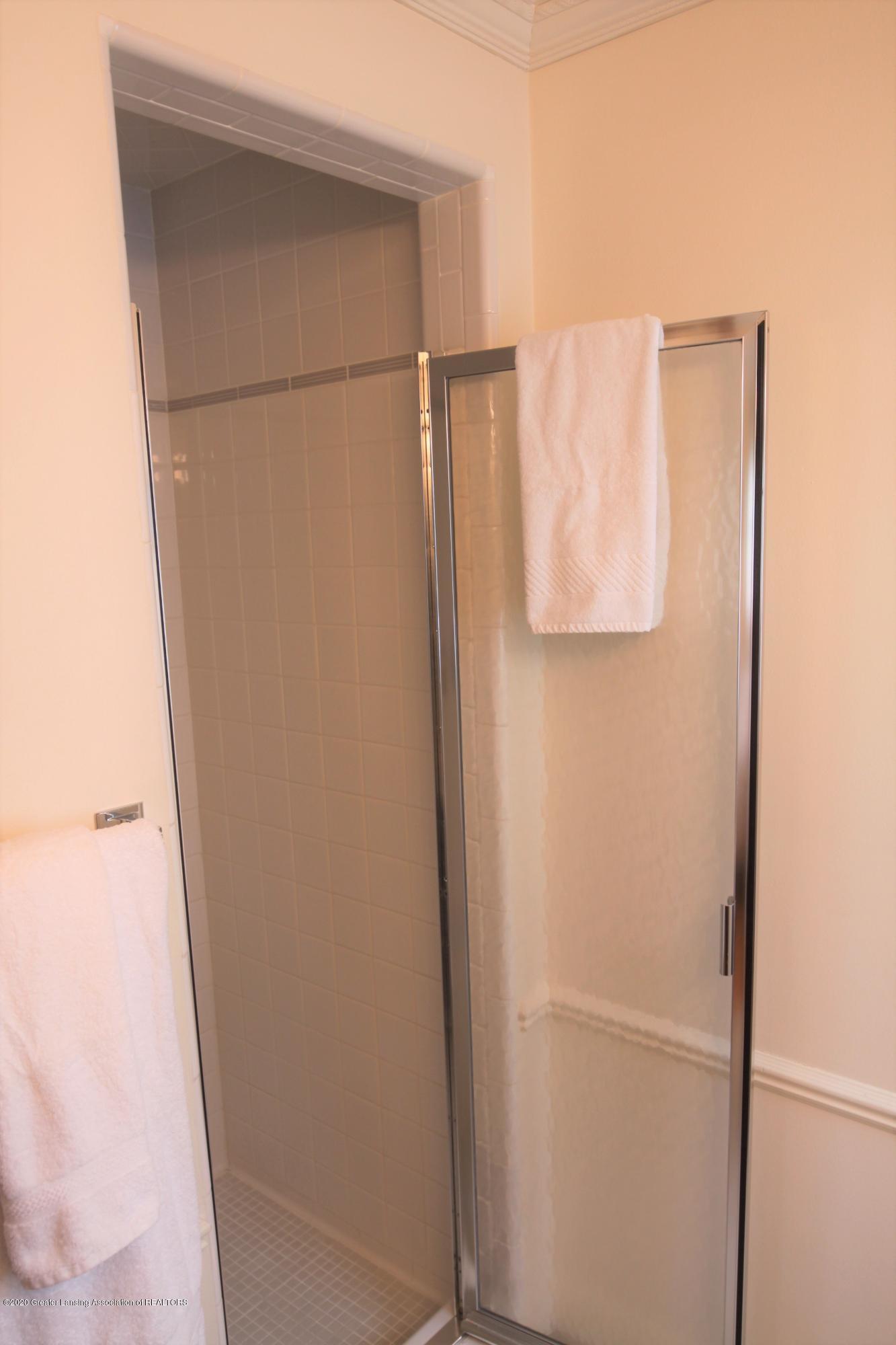 2321 Tulane Dr - Master Shower - 32