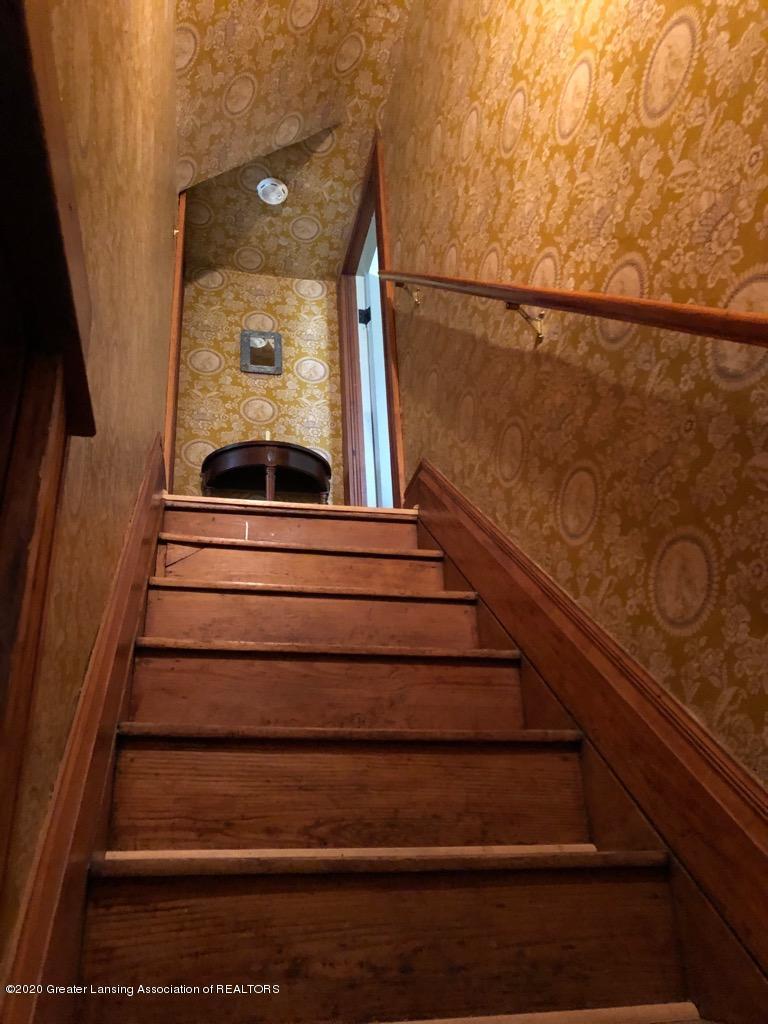 861 S Barnes St - ORIGINAL STAIRS - 22
