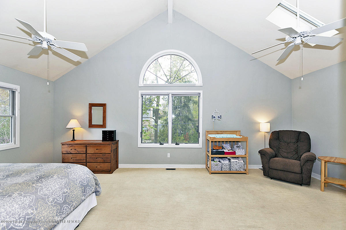 821 Sunset Ln - Master Bedroom - 22