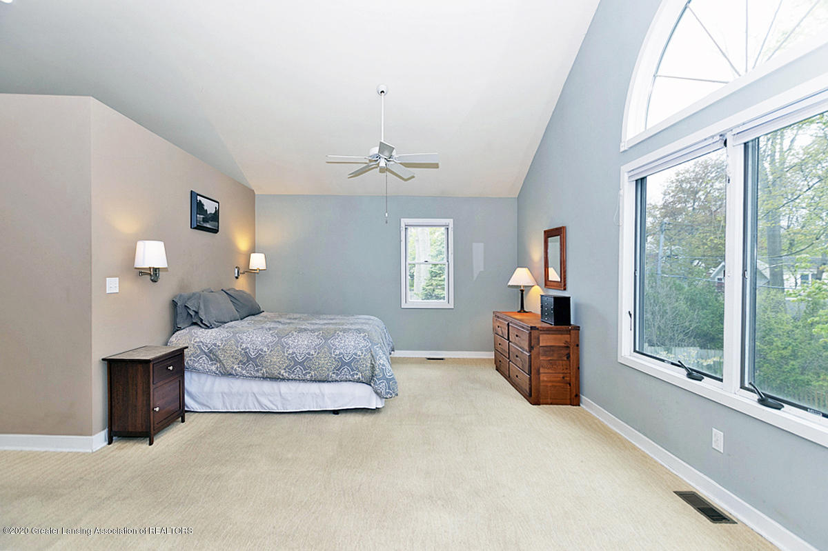821 Sunset Ln - Master Bedroom - 23