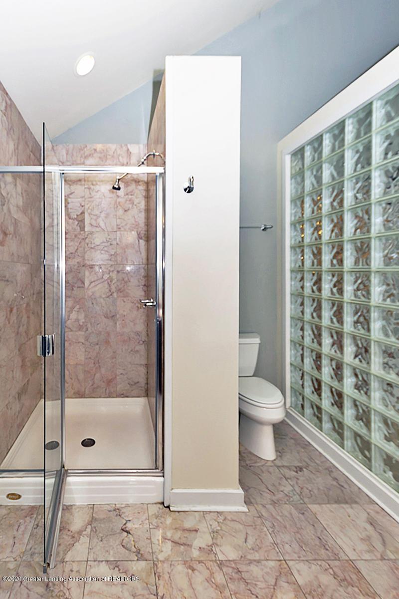 821 Sunset Ln - Master Bathroom - 26
