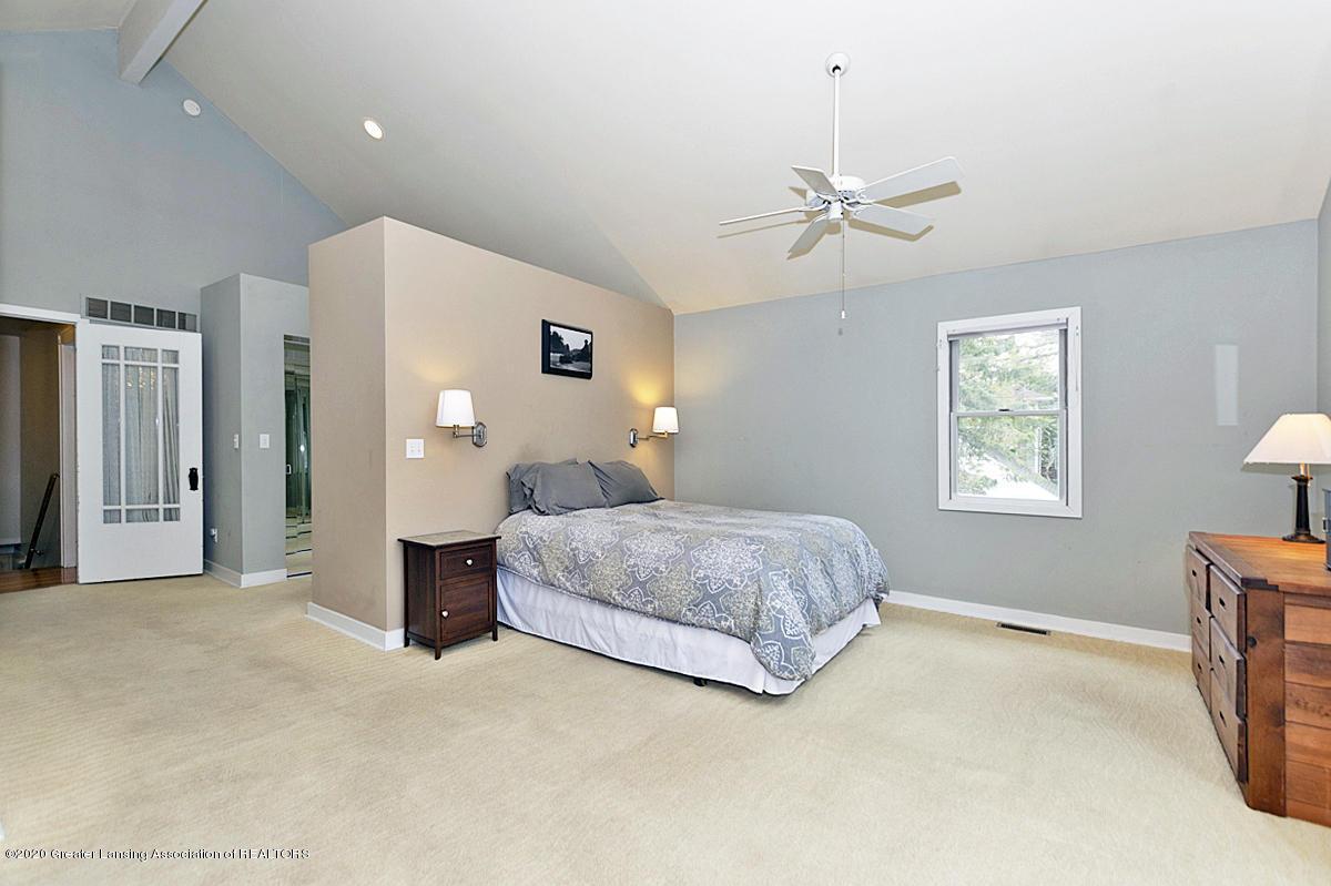 821 Sunset Ln - Master Bedroom - 24