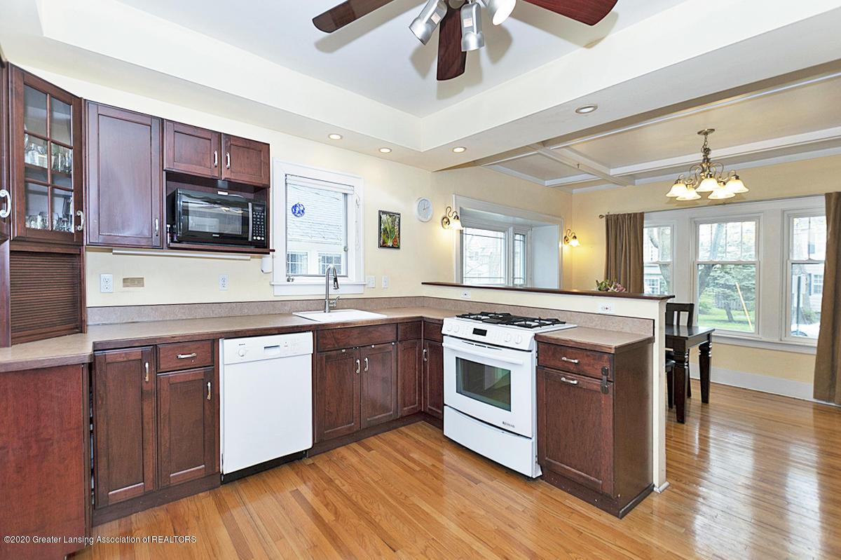 821 Sunset Ln - Kitchen - 15