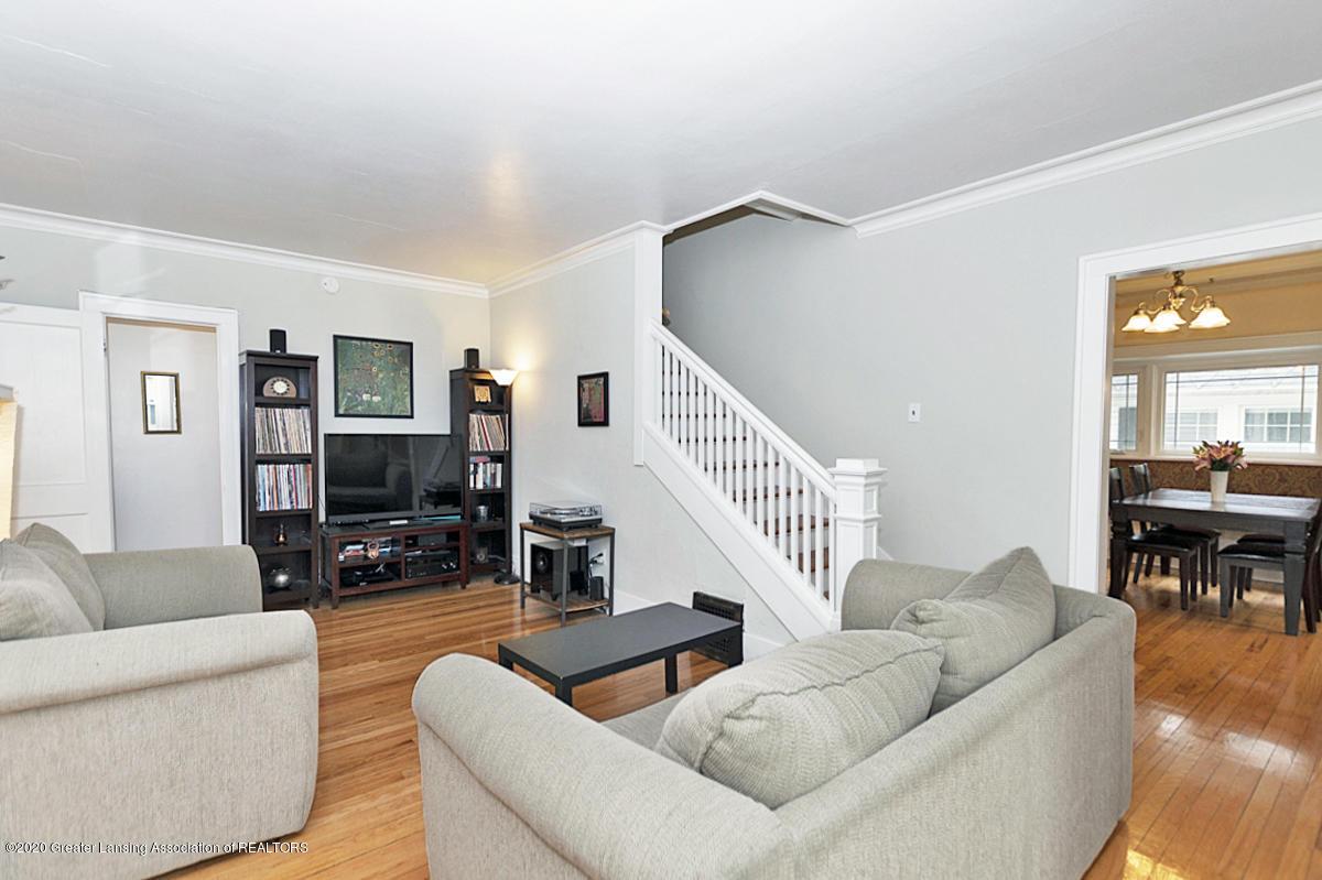 821 Sunset Ln - Living Room - 7