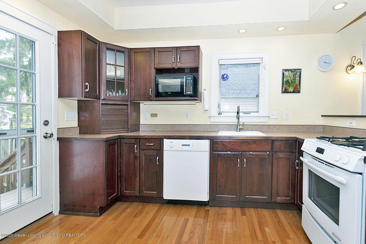 821 Sunset Ln - Kitchen - 17