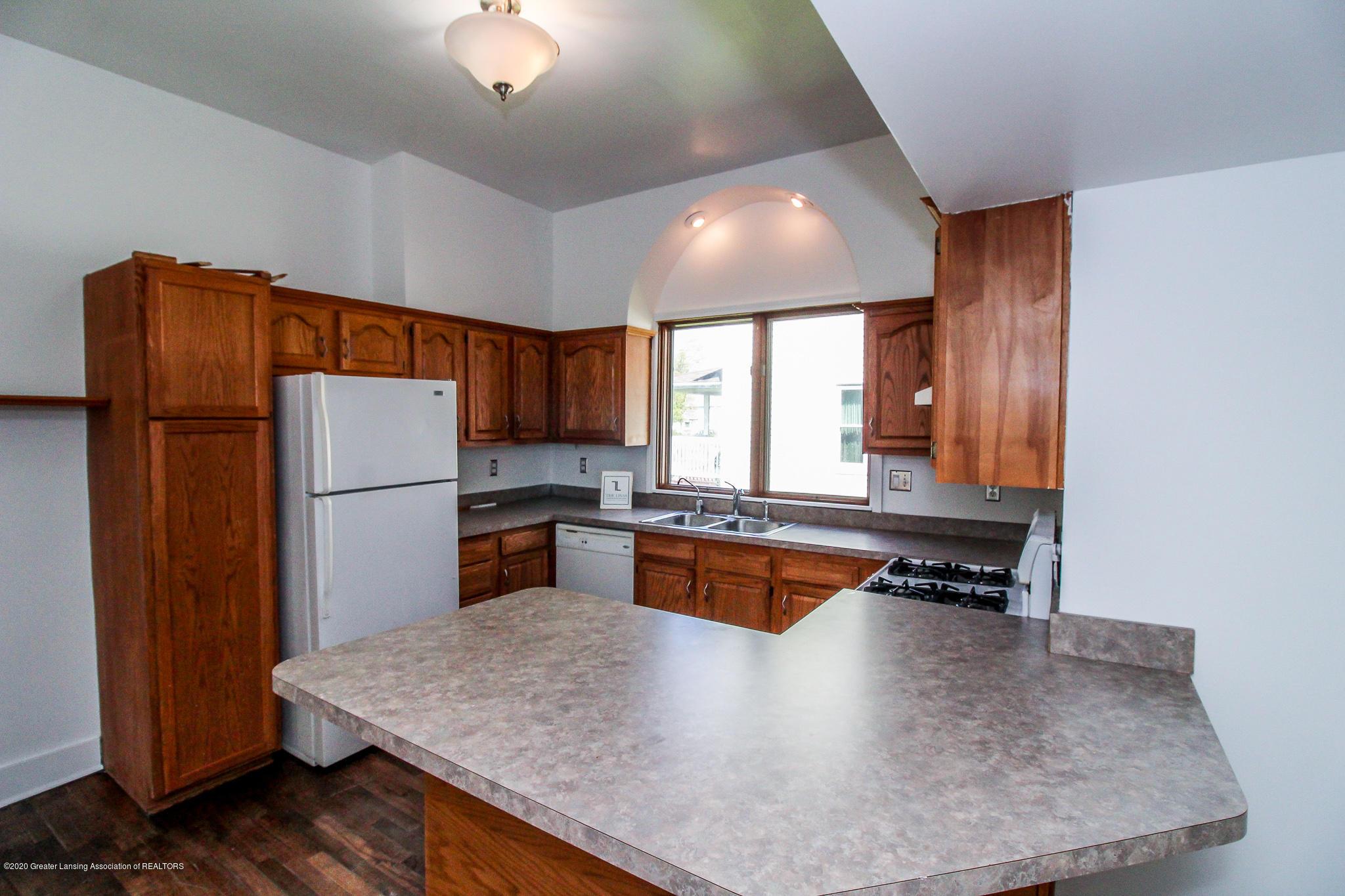 621 Pleasant St - Kitchen - 15