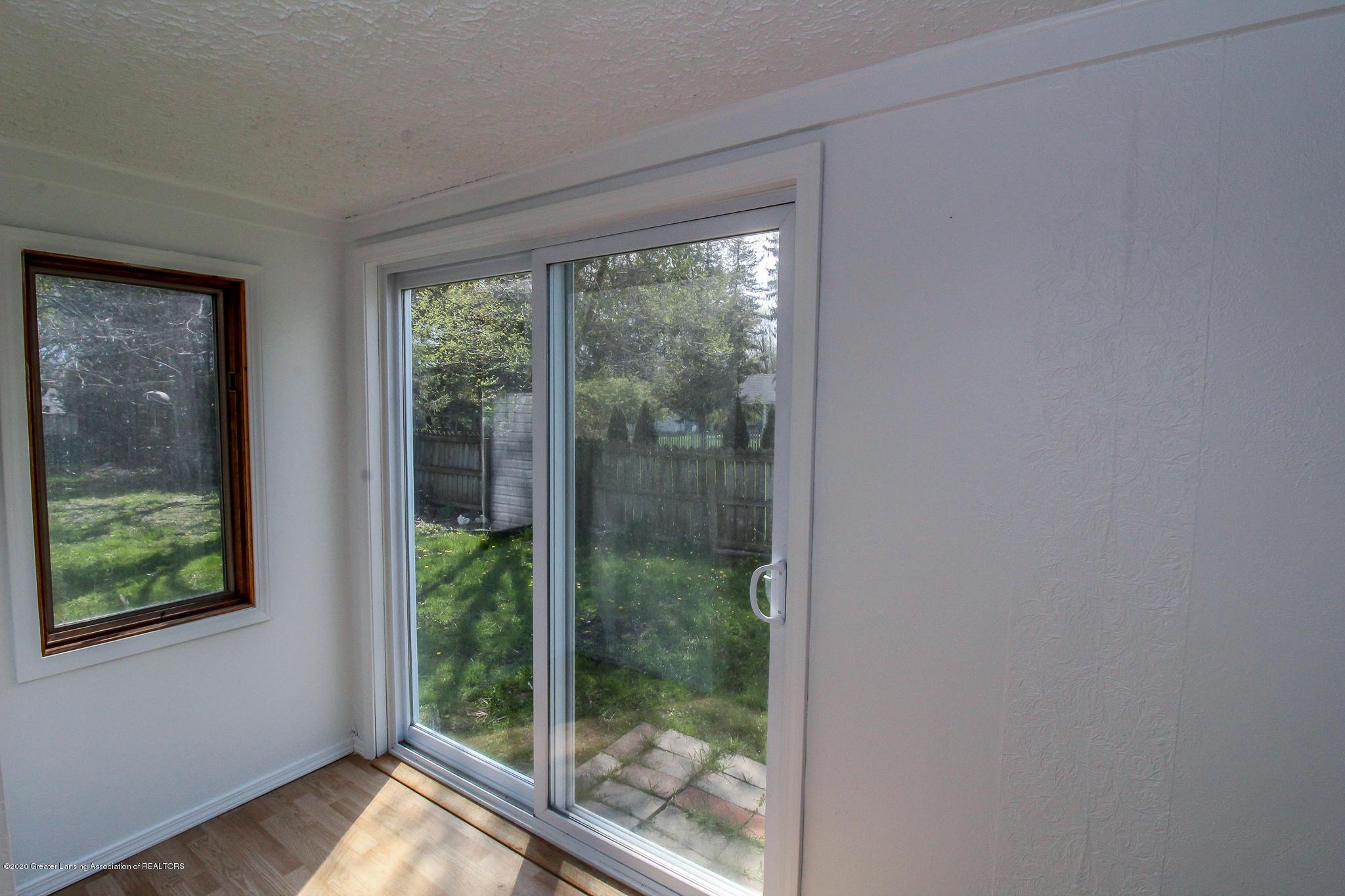 621 Pleasant St - Slider Door to backyard - 24