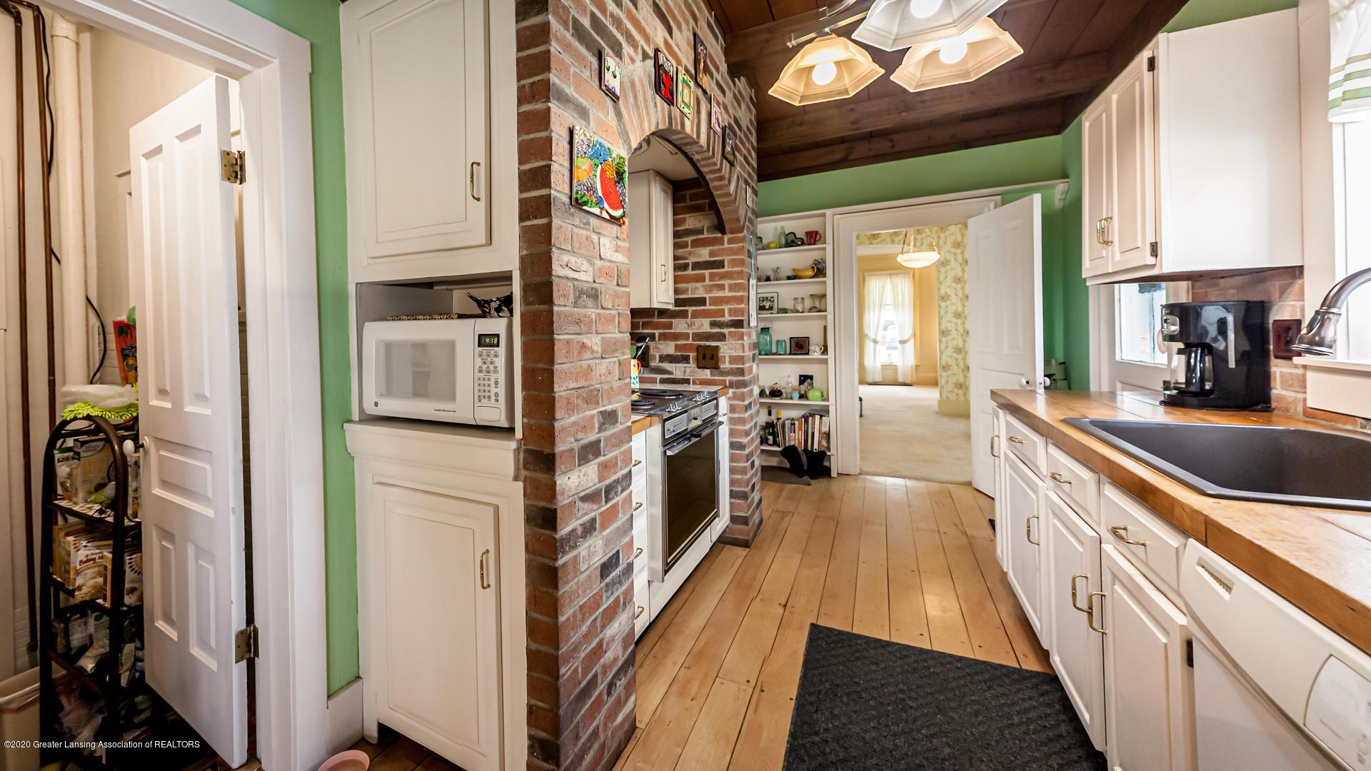 815 W Jefferson St - Kitchen - 12