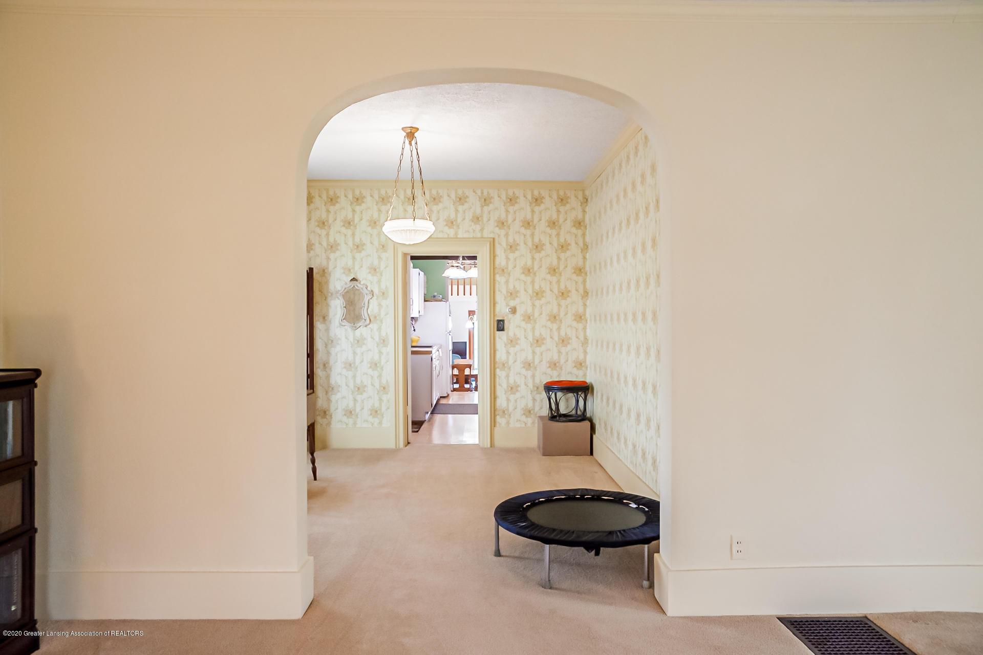 815 W Jefferson St - Living Room - 13