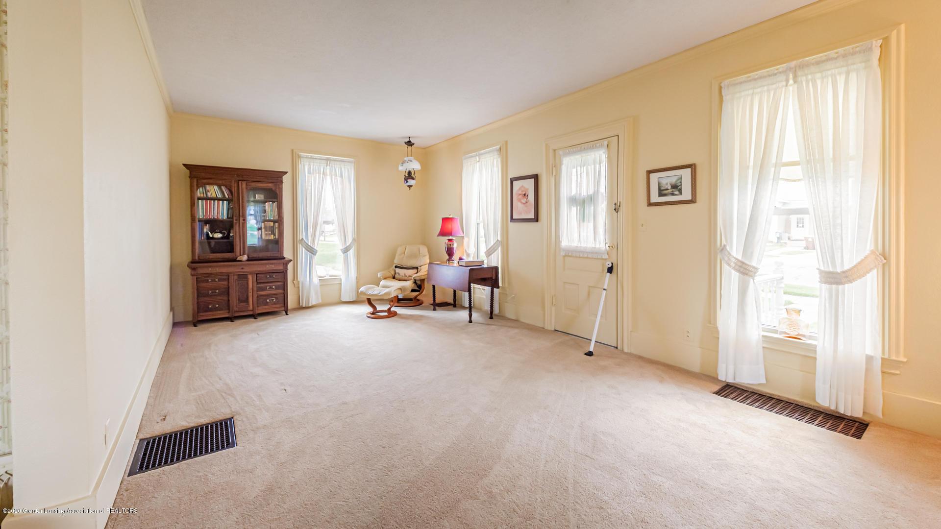 815 W Jefferson St - Living Room - 14