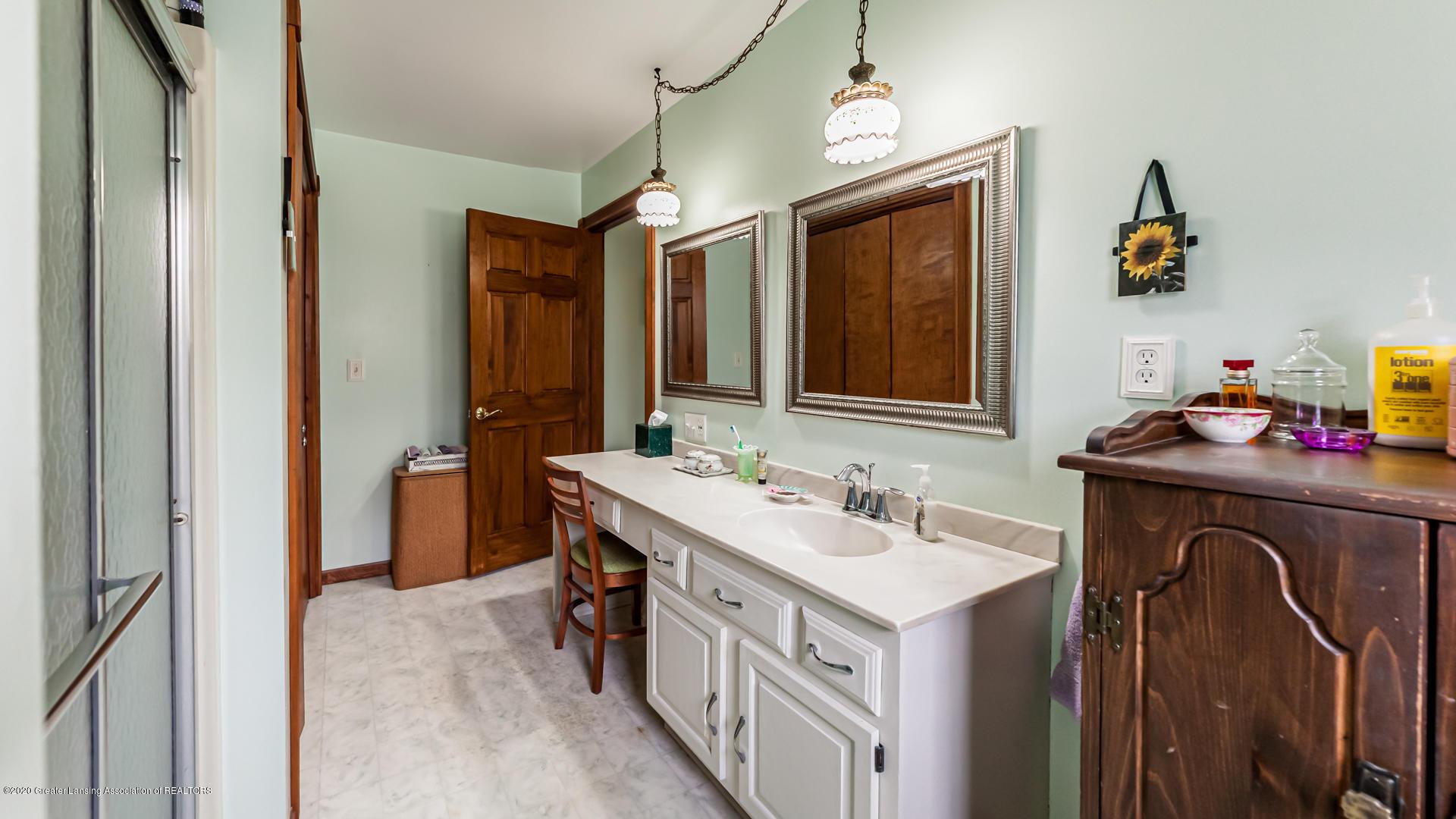 815 W Jefferson St - Bathroom - 18