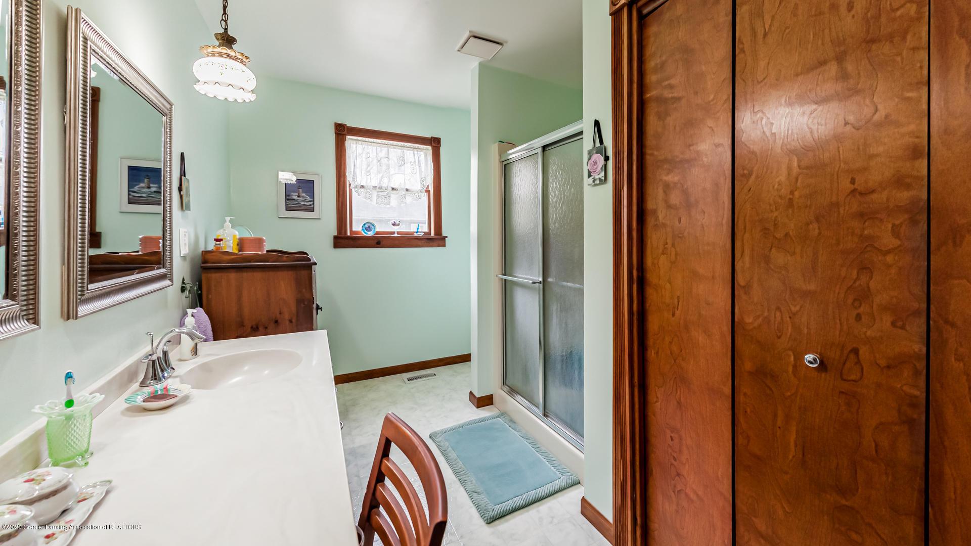 815 W Jefferson St - Bathroom - 19
