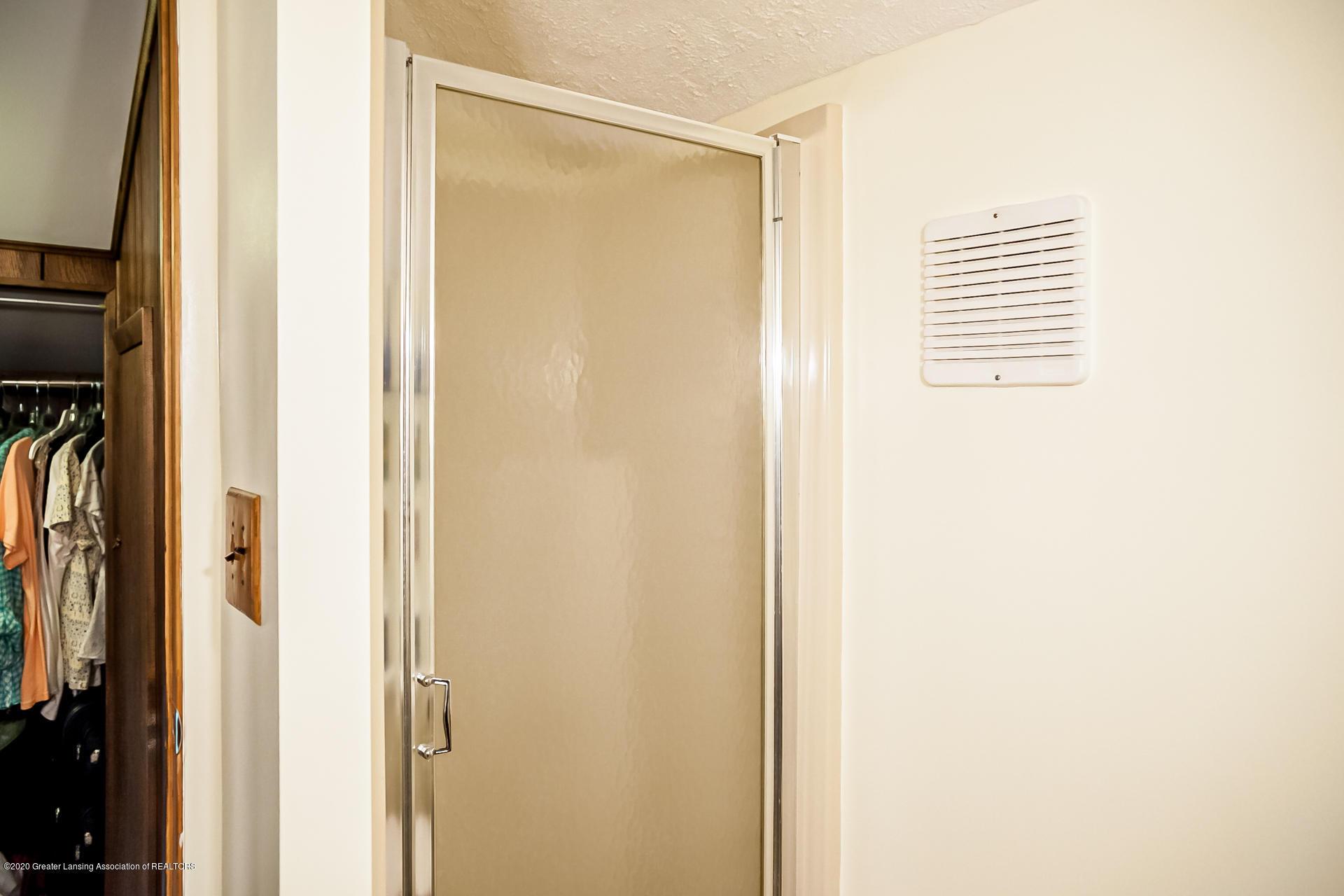 815 W Jefferson St - Bathroom - 25