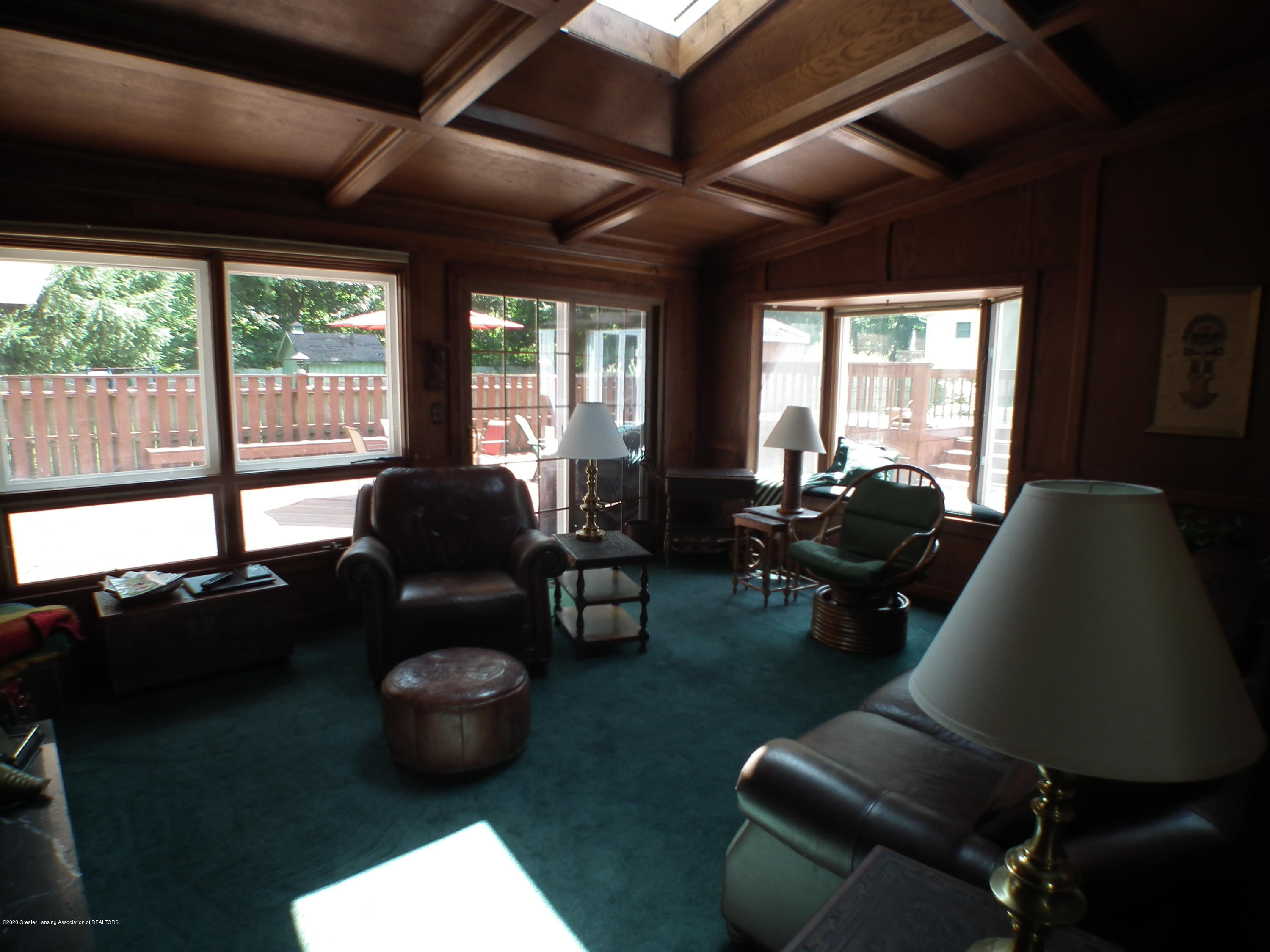 5600 Grand River Dr - Family Room a - 14