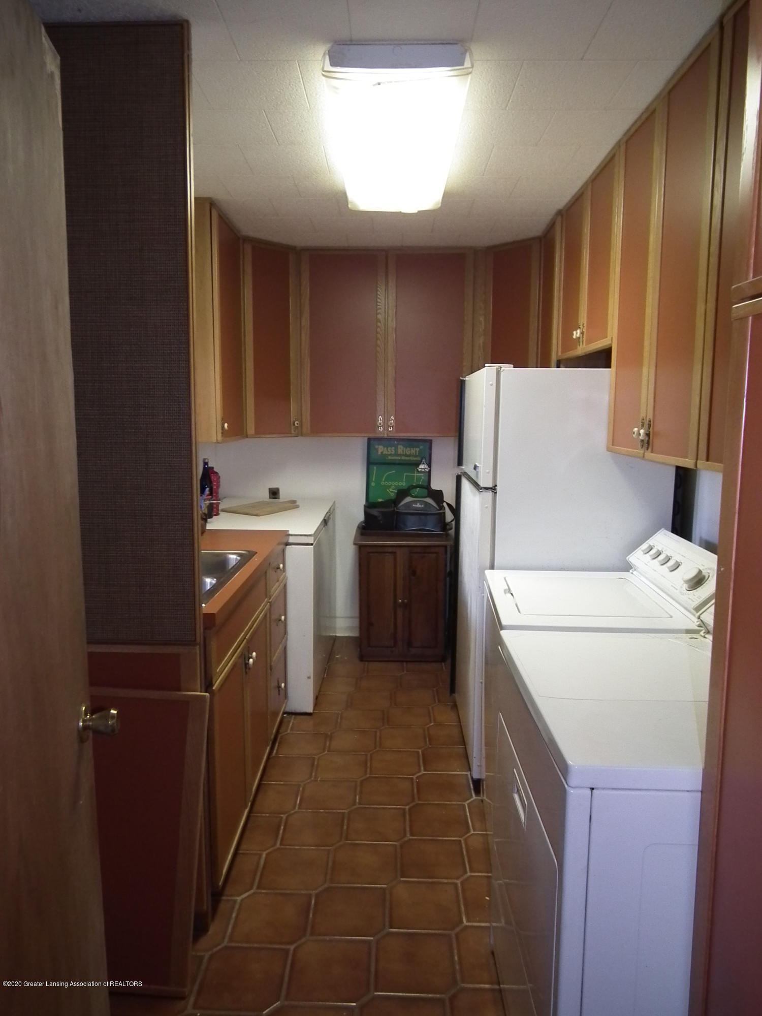 5600 Grand River Dr - Laundry - 21