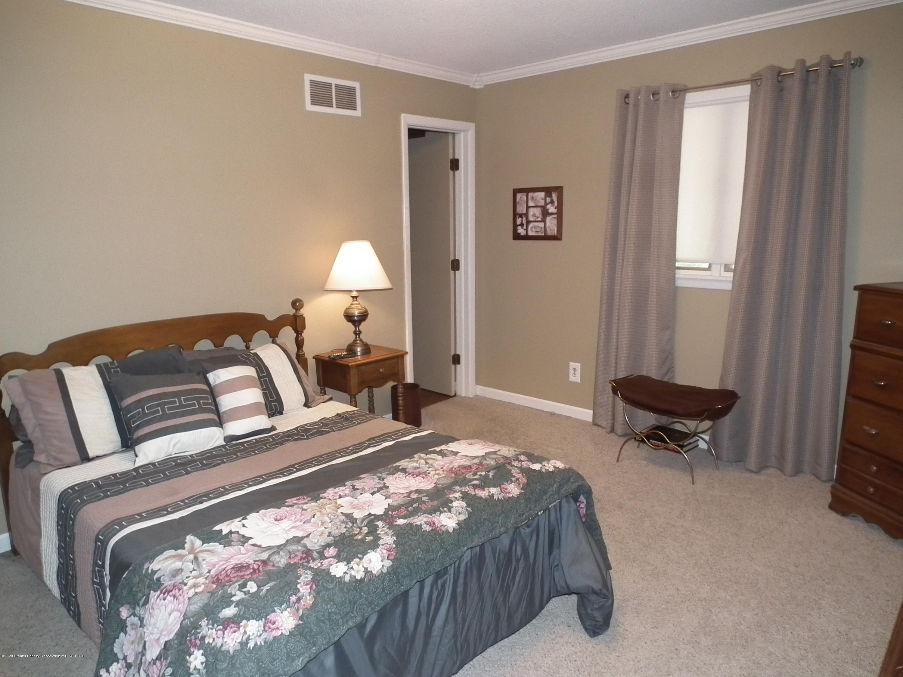 5600 Grand River Dr - 2nd bedroom b - 24